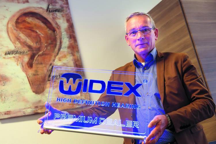 Widex- CYBERLEDS-plexiglas-led-display